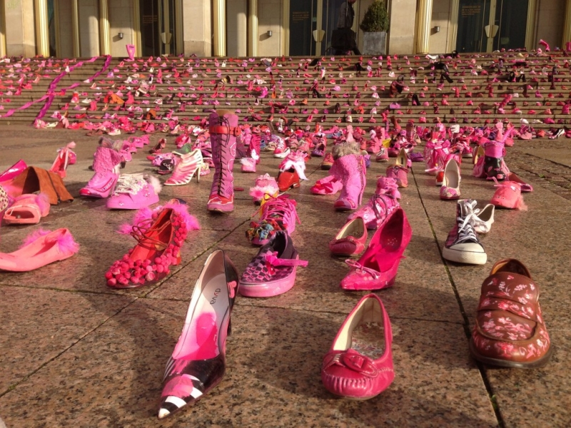 2013-11-04_10_22_23_foto-pink-shoe-day-1024x768