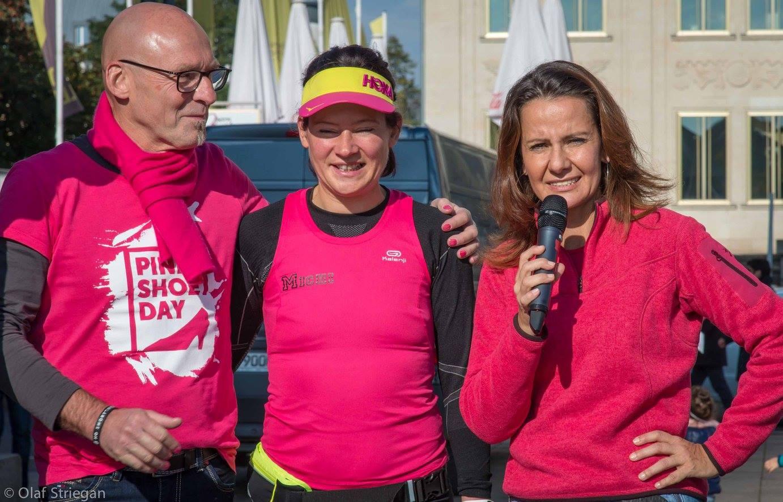 Michaela Wunderlich (Mitte) von Radio R.SA mit Kathrin Huß und Volker Große von Olaf Striegan